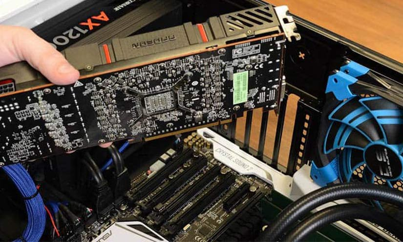 Graphics Card won't fit on motherboard